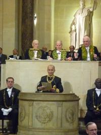 Le roi du Cambodge, Norodom Sihamoni, en train de lire son discours