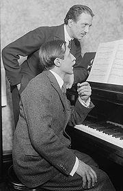 Alfred Cortot en compagnie de Jacques Thibaud, grand violoniste français