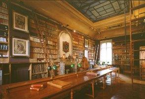 La bibliothèque de la fondation Dosne-Thiers où est dévoilé au grand public le fonds Frédéric Masson jusqu'au 28 mai 2010