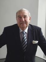 André Capron, membre de l'Académie des sciences, président du GID