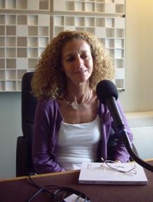 Dominique Estival au micro de Canal Académie