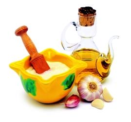 """L'aïoli est une mayonnaise parfumée à l'ail. C'est une simple émulsion """"huile dans eau""""."""