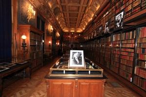 L'exposition dans la bibliothèque du Duc d'Aumale au château de Chantilly