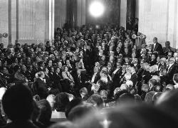 Le 13 octobre 1977: jour de la réception d'Alain Peyrefitte par Claude Lévi-Strauss sous la Coupole