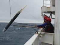 Exemple de sonde déposée au fond de l'océan pour mesurer la température et les courants