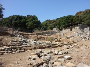 L'agora et le temple - des fouilles anciennes de 1932 et 1936.