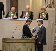 Xavier Darcos et le représentant de l'association Le Rocher, Oasis des cités