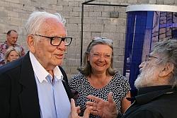 Pierre Cardin, Lydia Harambourg et le sculpteur Cruz Diez, 2 juillet 2011, Lacoste