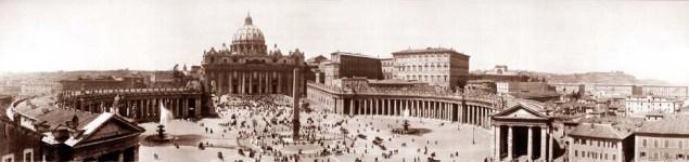 La place Saint-Pierre à Rome