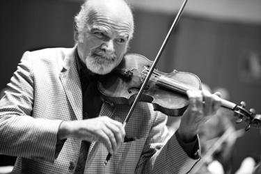 Patrice Fontanarosa, correspondant de l'Institut, n'a pas joué le 8 octobre 2011, il est venu savourer le talent de l'Orchestre Pasdeloup dont il est conseiller artistique