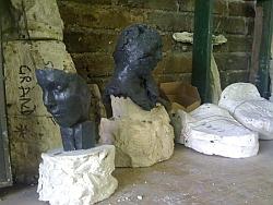"Pierre Edouard, sculptures ""Petites têtes"", atelier Fonderie d'art Godard"