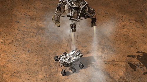 Pour un attérissage en douceur de Curiosity, un triple système de parachute, de rétro fusé et d'air bag est prévu.
