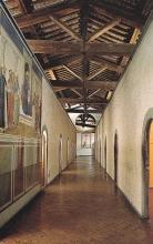 Vue du premier couloir du couvent san Marco (sur le mur  madone des Ombres de Fra Angelico