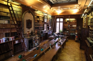 Salle de lecture de la bibliothèque Thiers, et ancien cabinet de travail de M.Thiers