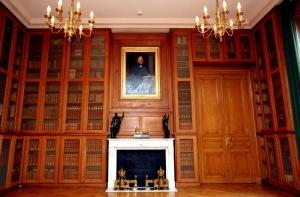 Ancienne salle de lecture, avec un portrait de Thiers jeune.