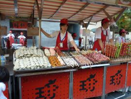 Vendeuses de brochettes à Pékin