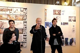 Claude Parent, et les lauréats, vernissage de l'exposition du Grand Prix d'Architecture 2011
