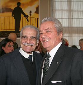 Alain Delon et Omar Sharif, cérémonie d'installation de Régis Wargnier au sein de l'Académie des beaux-arts, 1er février 2012