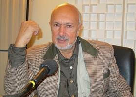 Michael Atchia au studio de Canal Académie