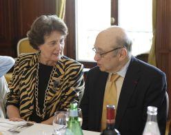 Pierre Magnard en compagnie d'Hélène Renard au colloque de la Fondation Ostad Elahi