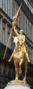 Statue de Jeanne d'Arc place des Pyramides à Paris