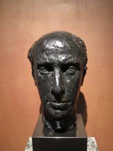 Buste d'Edouard Bonnefous réalisé par le sculpteur Paul Belmondo (1898-1982) et exposé au sein de l'Institut de France