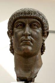 Tête de l'empereur Constantin, élément d'une statue colossale. Bronze, œuvre romaine, IVe siècle ap. J.-C