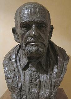 Buste de Théodore Monod, réalisé par la sculptrice Nacéra Kaïnou.